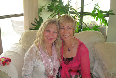 Lola Jones of 'Divine Openings' fame with Wendy Leppard.